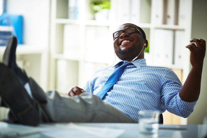 งานวิจัยเผย ฟังเพลงไปด้วยทำงานไปด้วย ช่วยเพิ่มประสิทธิภาพการทำงานดีขึ้นอย่างไม่น่าเชื่อ